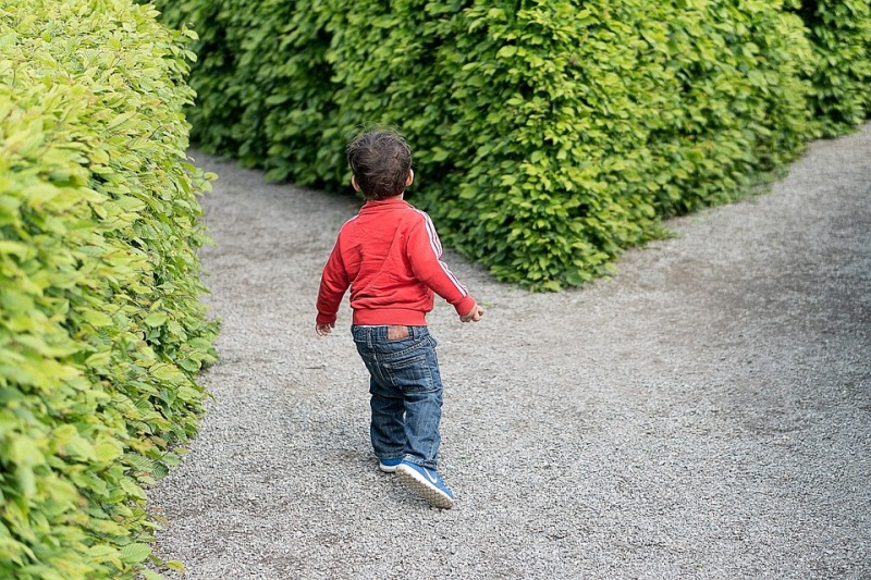 child-1721906_960_720